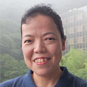 秋吉 久子さん